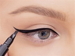 HOW TO DRAW  RETRO  WINGED EYELINER
